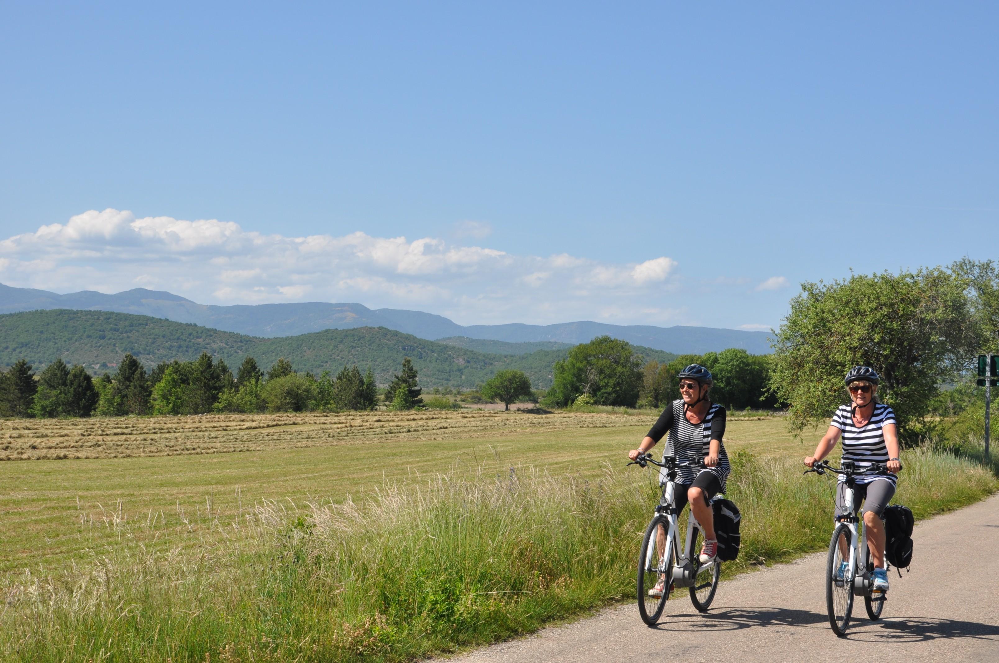vélo-elec-sur-les-routes-du-causse-de-Blandas