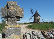St-Pierre-de-la-Fage - Le Moulin à vent et les Gestes d'autrefois